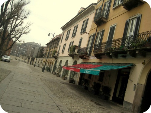 Un giorno a milano luoghi da vedere visitare gustare for Piazza sant eustorgio